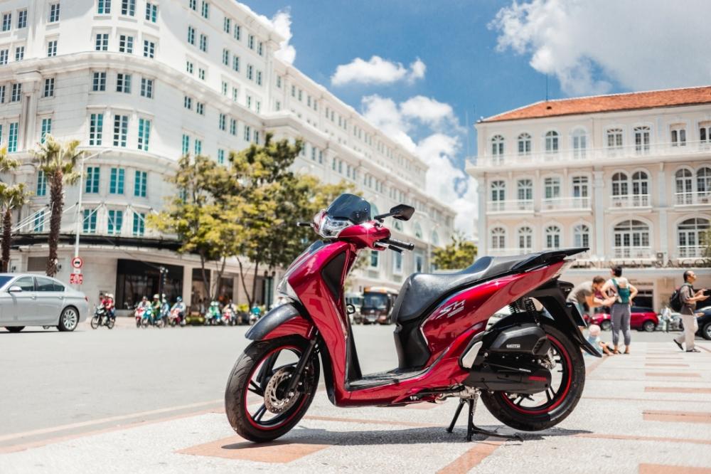 Honda Sh150i 2017 do dan ao Sh300i dau tien tai Sai Gon - 15