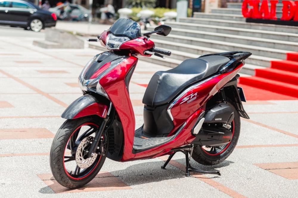 Honda Sh150i 2017 do dan ao Sh300i dau tien tai Sai Gon - 19