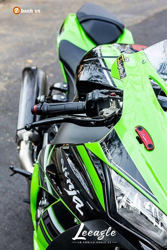 Kawasaki ZX10R ke thong tri duong dua WSBK - 3