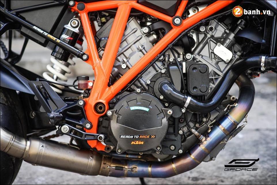 KTM 1290 Super Duke R do ke menh danh Quai vat cua hang xe ao