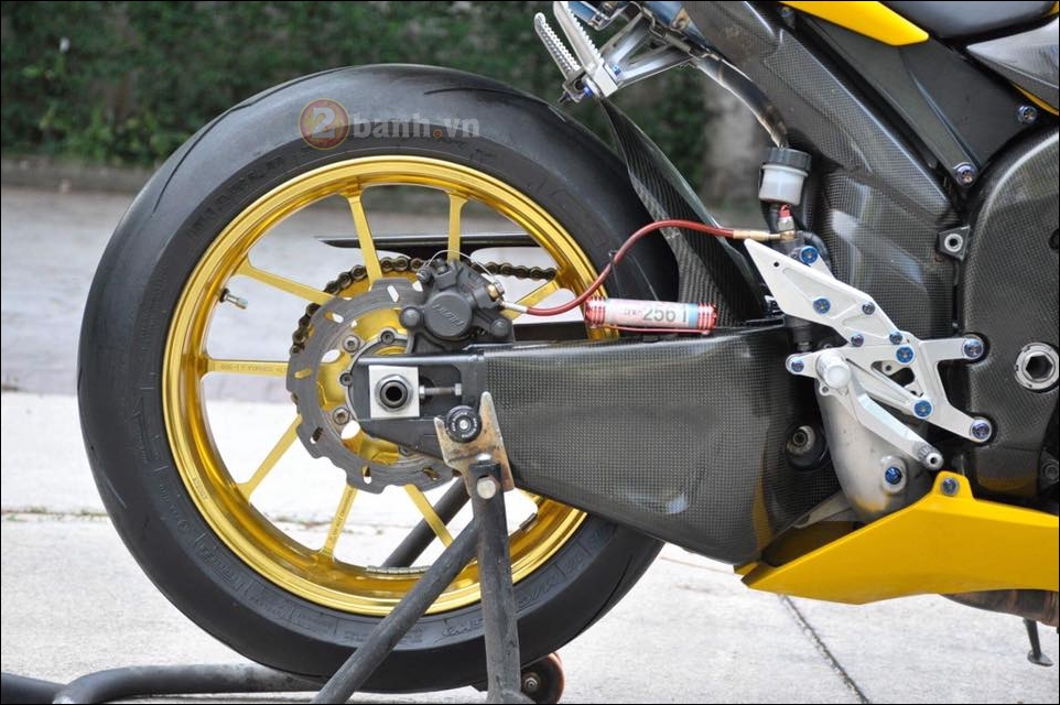 Manh thu Yamaha R1 2007 manh me theo thoi gian