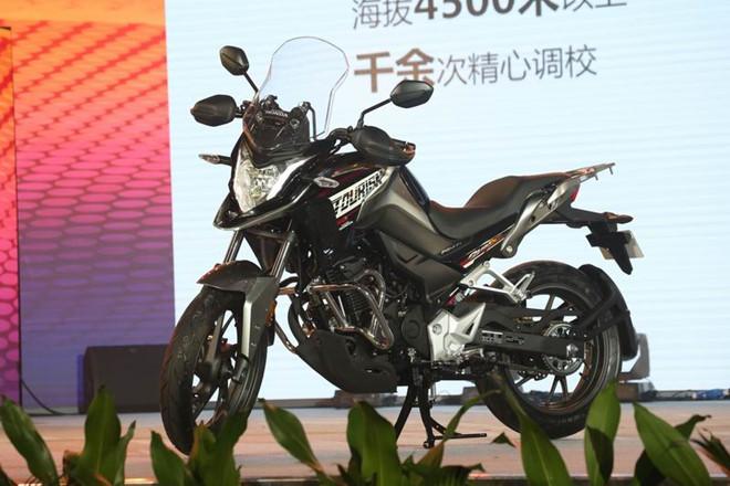 Moto phuot Honda CB190X 2017 chinh thuc trinh lang