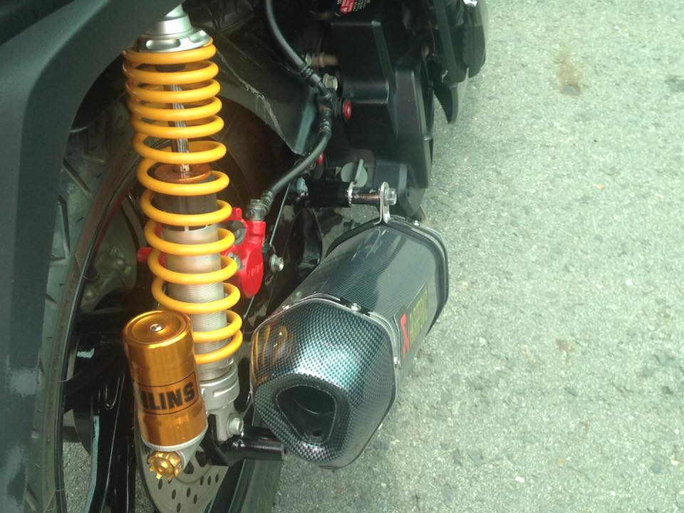 Sh 150i full black voi nhieu do choi mang hoi huong hoang toc - 8