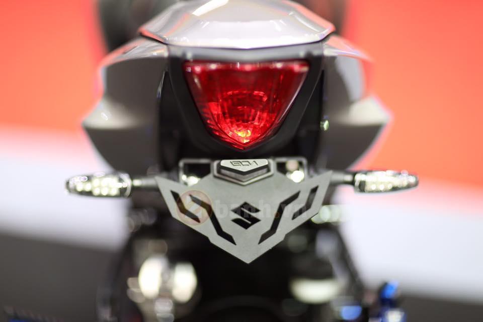 Suzuki tung ra mau xe GSXS150 phien ban Custom - 9