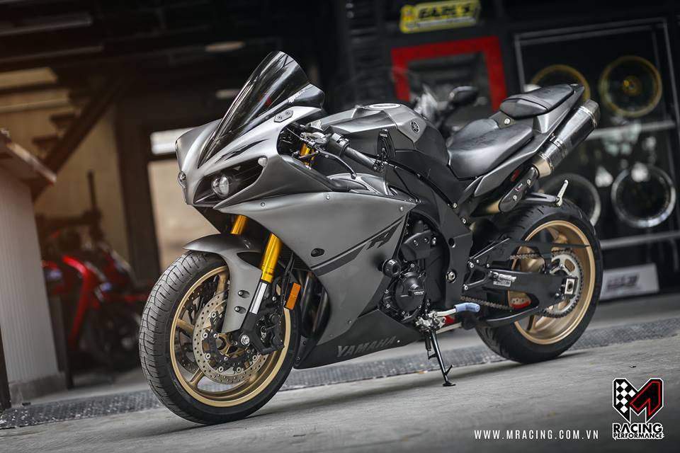 Yamaha R1 Matte Gray ve dep kho cuong - 5