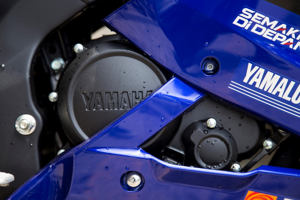 Yamaha R15 2017 phien ban Movistar ve VN voi gia ban hon 110 trieu dong - 7