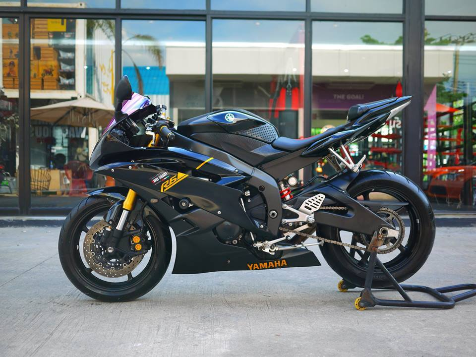 Yamaha R6 ngua hoang kho thuan trong loat anh den khong ty vet - 9