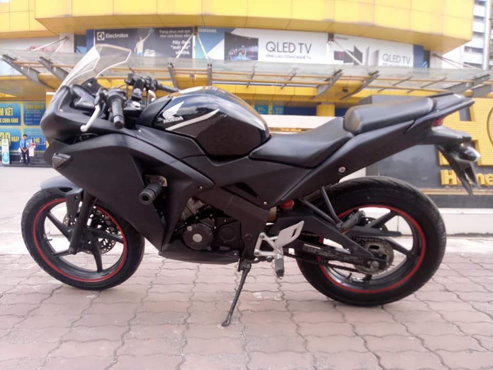 BAN CHIEC XE CBR 150 NHAP KHAU BIEN VIP 20222 - 2