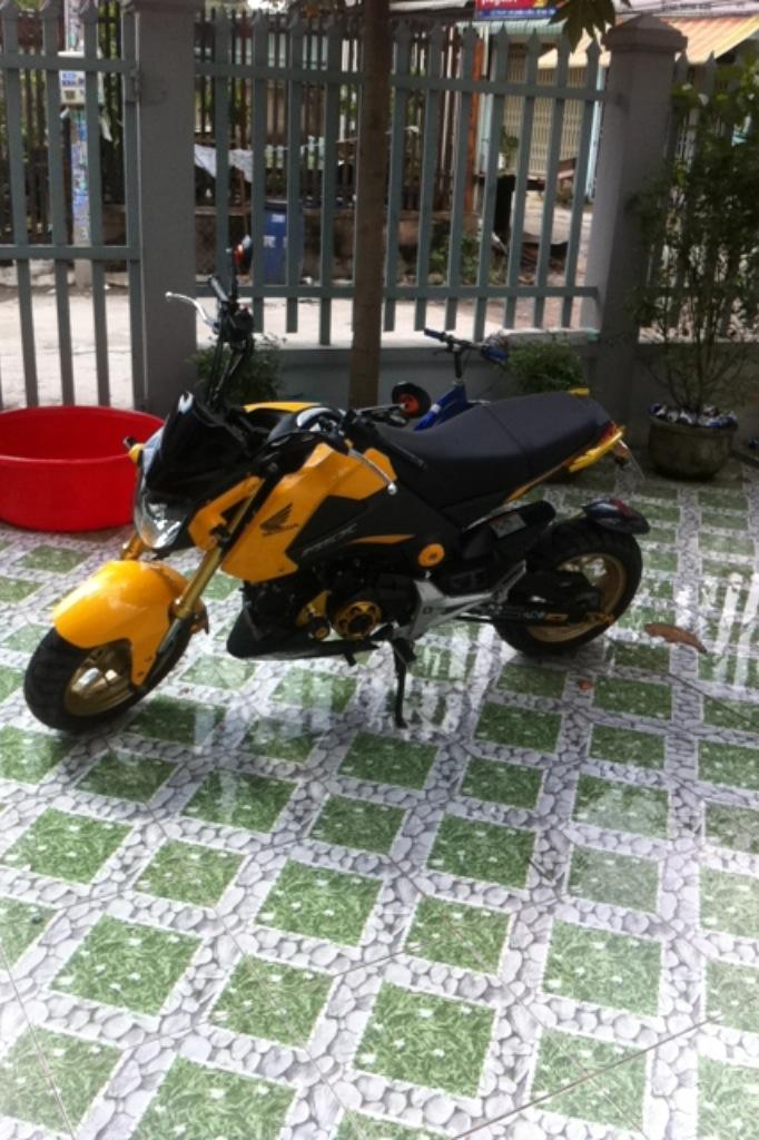 Ban xe MSX doi 2016 Nhap thai nguyen chiec con zin di 2000km - 2