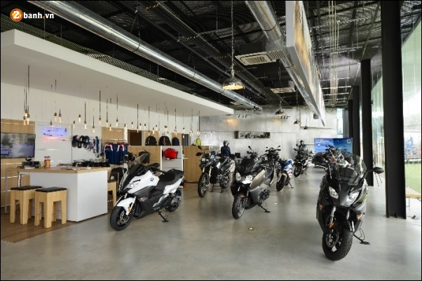 BMW va MF Motorrad hop tac voi Big Bike de mo rong phong trung bay Rama 5 voi su ra mat cua BMW K160 - 3