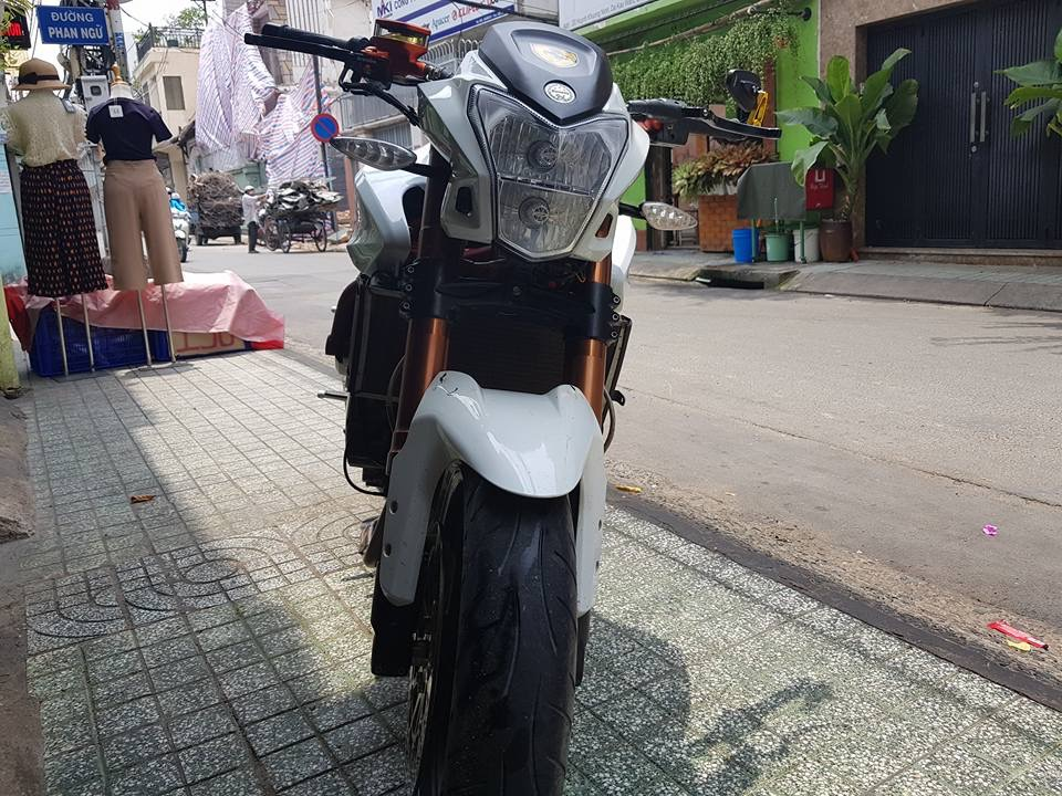 CAN BAN BJ600 XE NHU MOI