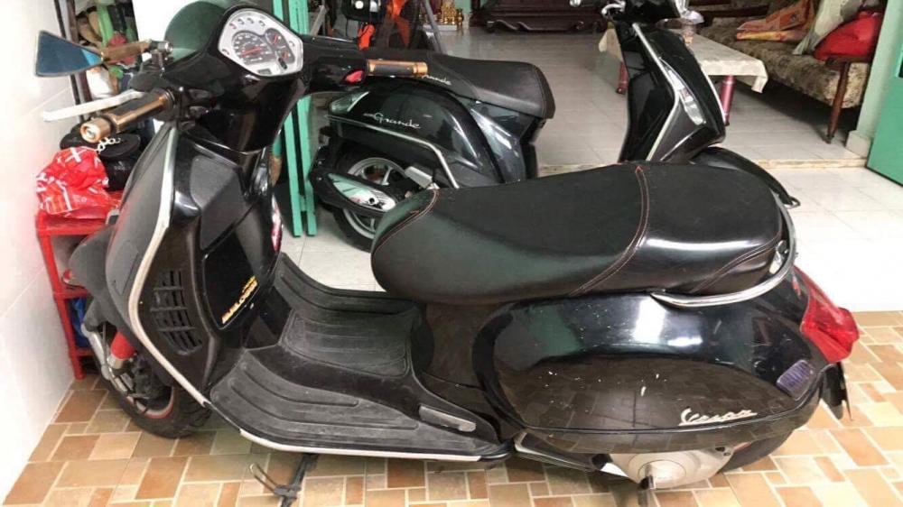 Can ban xe GTS 125cc hang nhap Italy chinh chu mau den doi 2011 - 3
