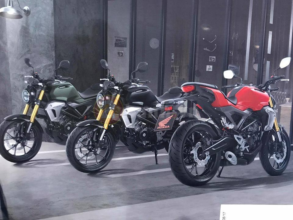 Can canh Honda CB150R Exmotion 2017 voi phien ban Scramble Cafe