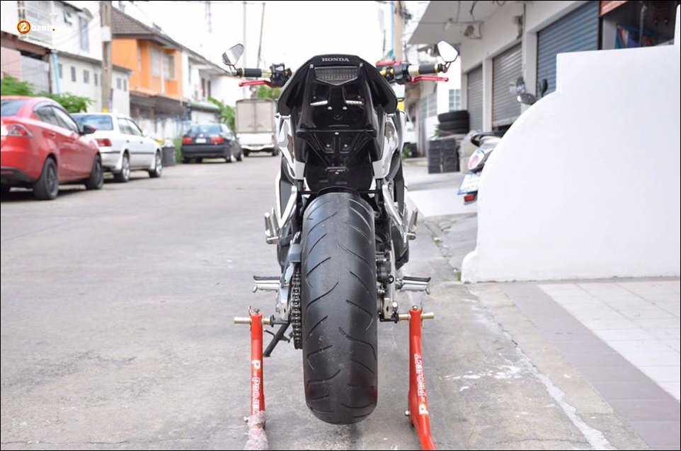 Honda CB650F do pha cach qua lot ao Camo huyen thoai - 9