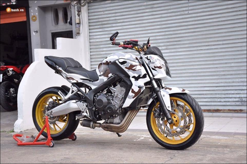 Honda CB650F do pha cach qua lot ao Camo huyen thoai - 11
