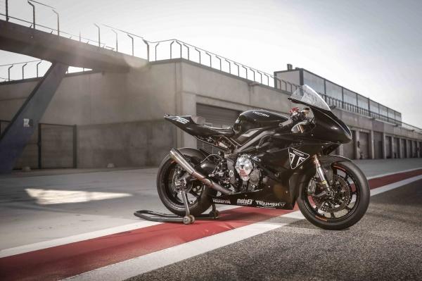 Dong co Triumph Moto2 dang duoc phat trien chuan bi cho mua giai 2019