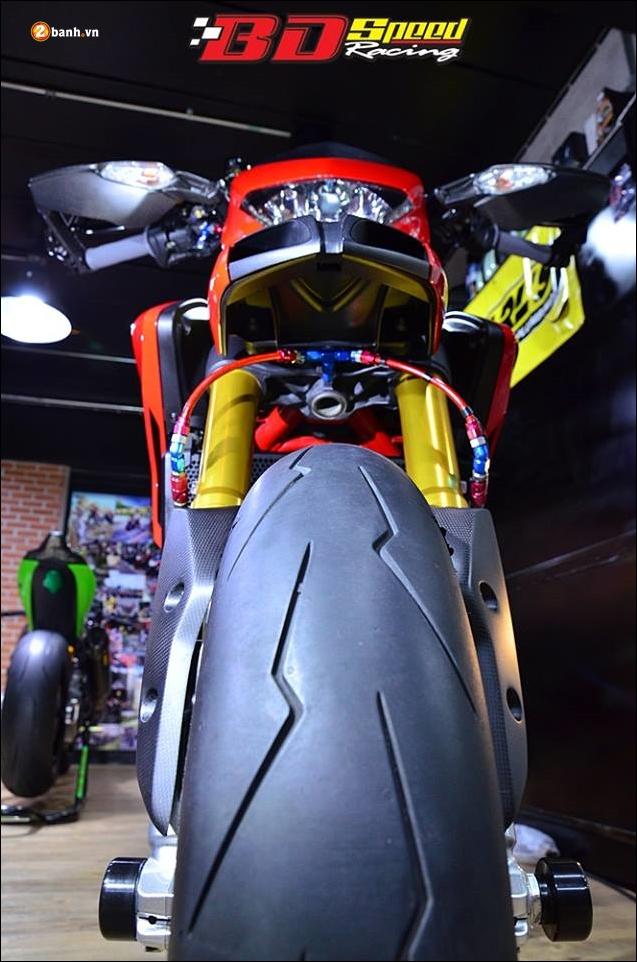 Ducati Hypermotard 821 do Vua duong pho trong trang bi hang sang - 4
