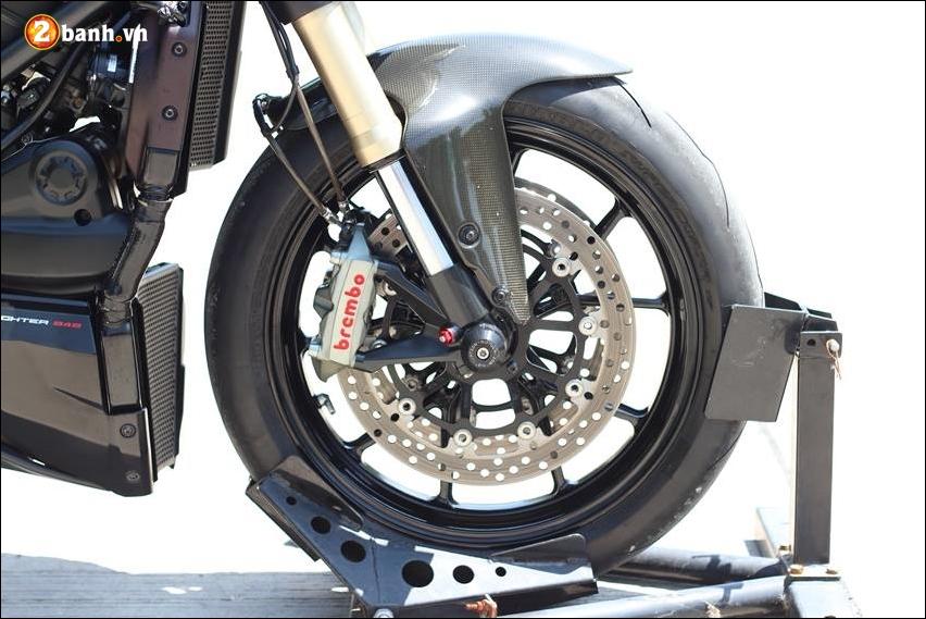 Ducati Streetfighter 848 do cuc ngau ben tong mau den huyen bi - 11