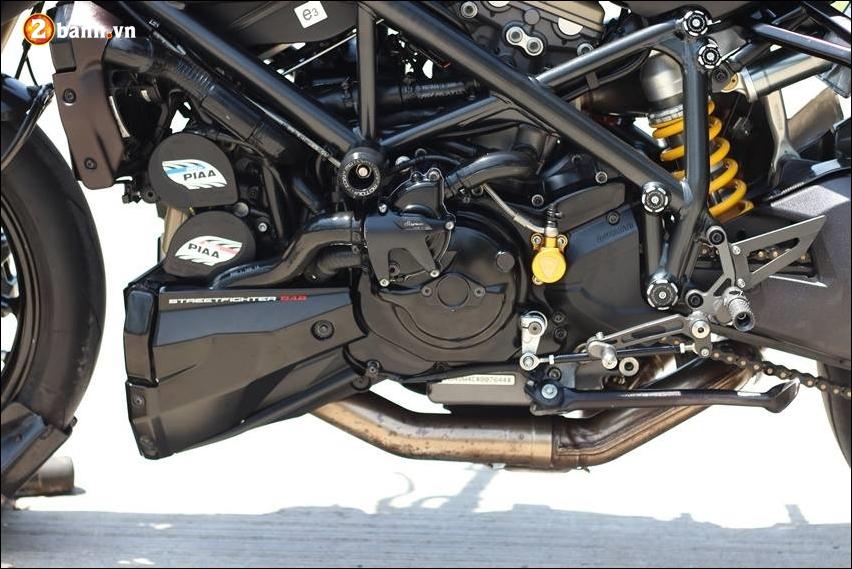 Ducati Streetfighter 848 do cuc ngau ben tong mau den huyen bi - 17