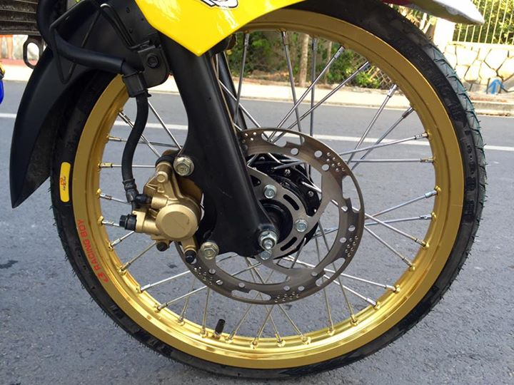 Exciter 135 do Drag day an tuong voi hinh anh Minions