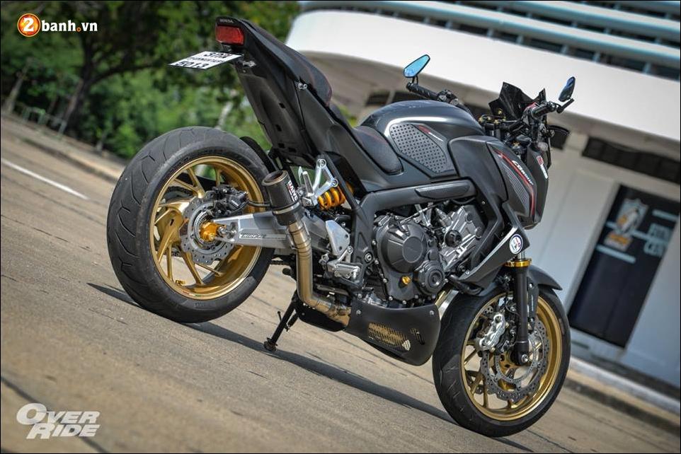 Honda CB650F Chien binh Nakedbike cung cap voi ban do bui bam phong tran - 22