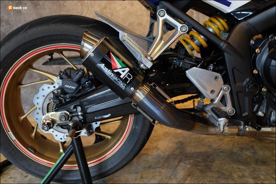 Honda CB650F do phong tran qua bo canh HRC