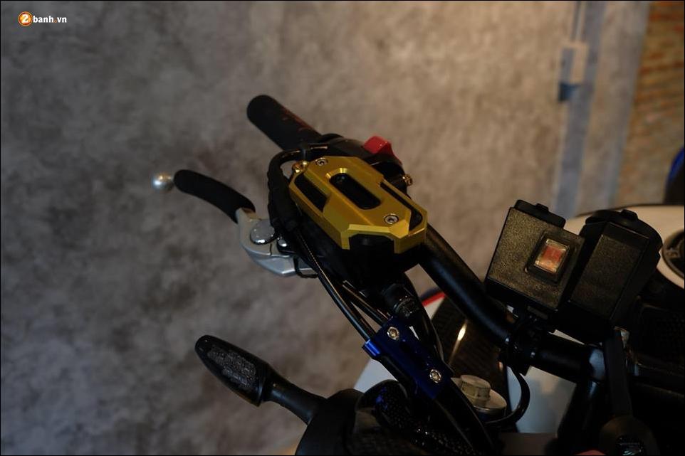 Honda CB650F do phong tran qua bo canh HRC - 5