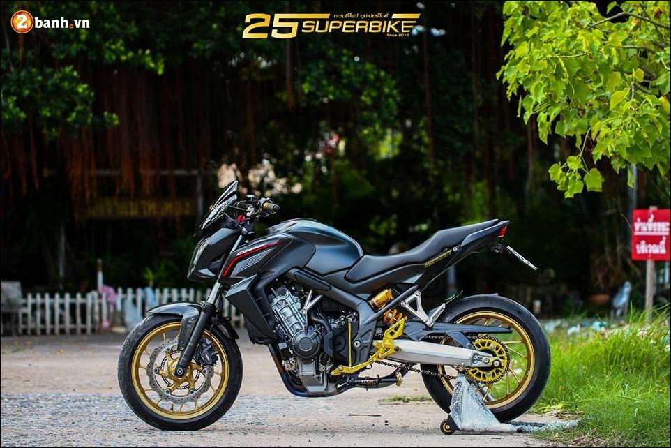 Honda CB650F do tinh te qua cong nghe do choi Titanium - 20