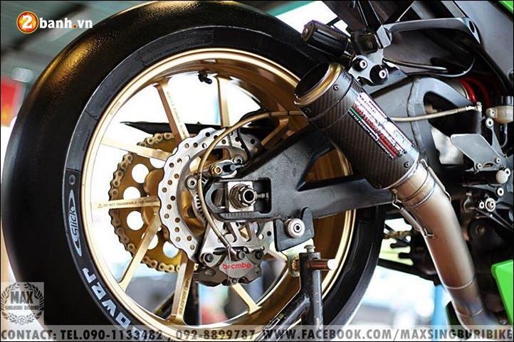 Kawasaki Ninja ZX10R do hao nhoang voi tong mau xanh la