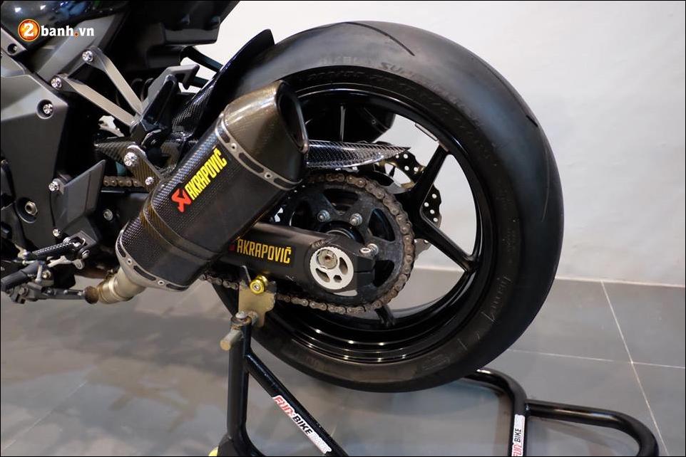 Kawasaki Z1000 do Nakedbike than thanh den khong ty vet - 13
