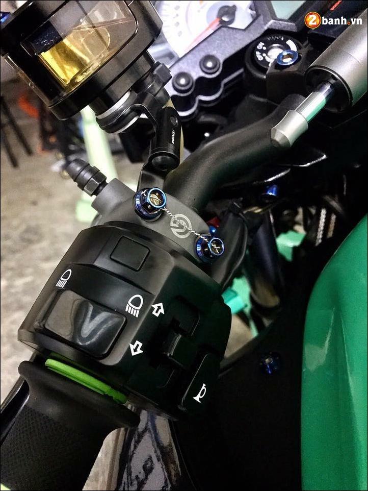 Kawasaki Z300 do mau moi cung loat do choi tinh te - 4