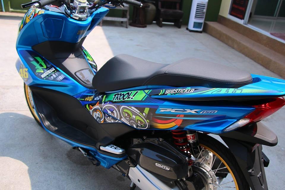 PCX 150 do kieng doc dao voi doi chan mong manh cua biker nuoc ban - 7