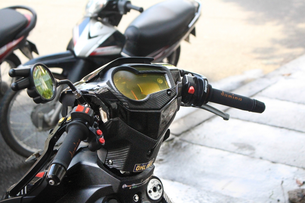 Exciter 150 do banh cam voi tem dau an tuong cua biker Kontum - 4