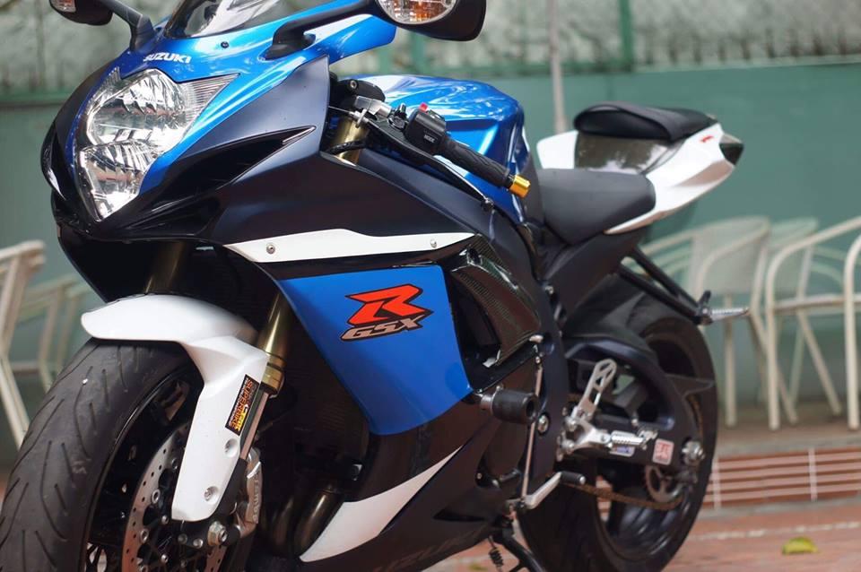 Suzuki GSXR750 - 3