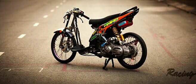 Yamaha Luvias khoe dang tren pho