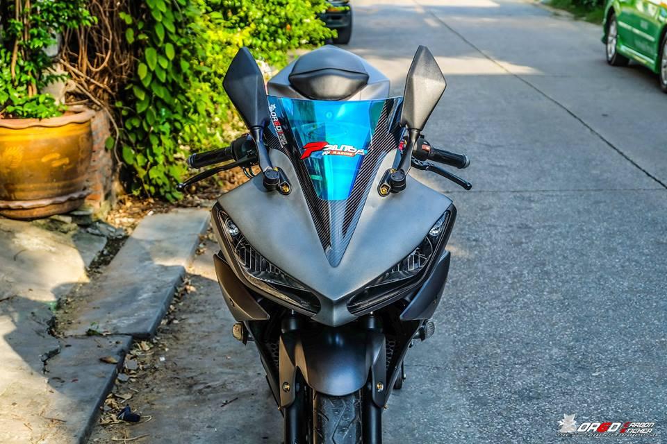 Yamaha R15 do kieng nhe khoe dang cua biker nuoc ban - 4
