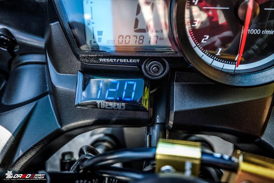 Yamaha R15 do kieng nhe khoe dang cua biker nuoc ban - 6