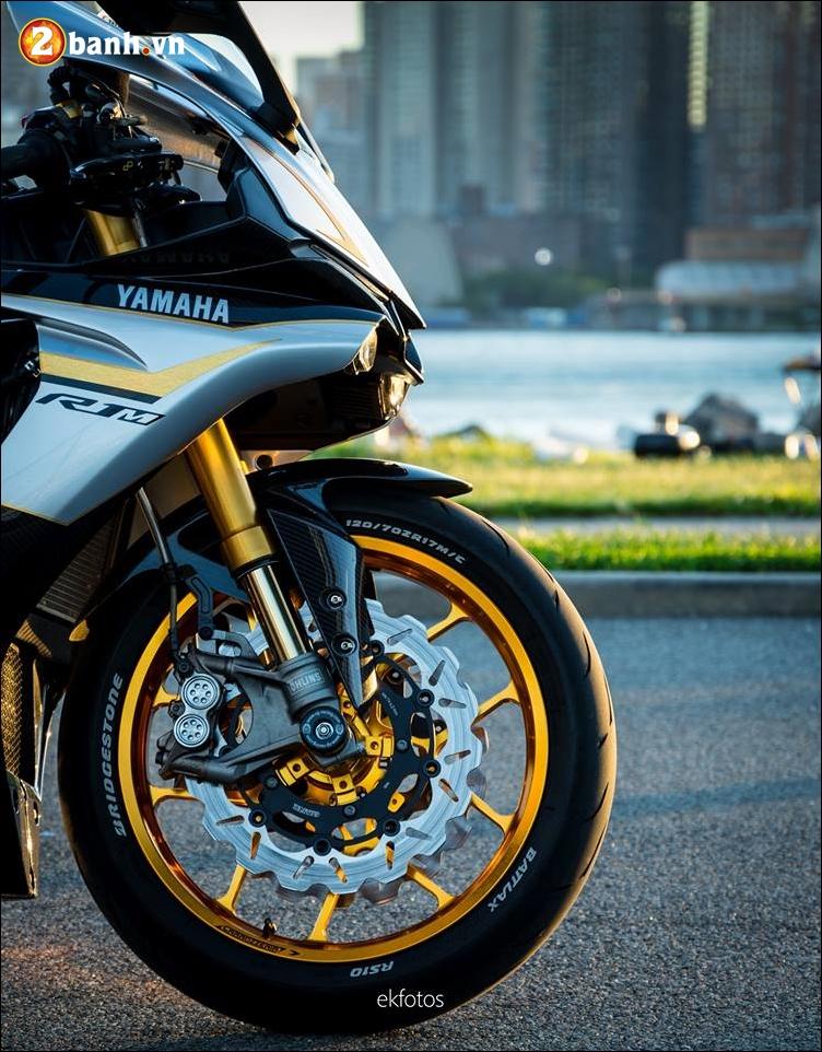 Yamaha R1M do phien ban toi tan ao dieu trong buoi chieu hoang hon - 3