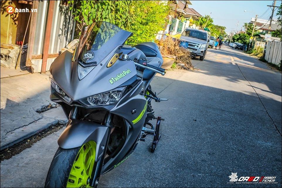Yamaha R3 do day an tuong ben bo canh Matte Gray