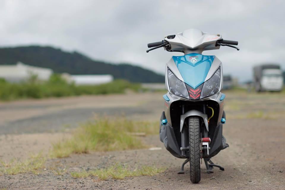 Air blade do tung hoanh giua con duong hoang so cua biker Viet