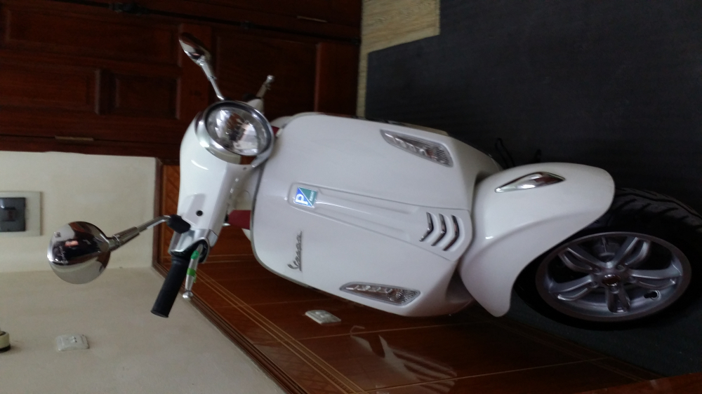 Ban xe Vespa Primavera IGET 125cc ABS