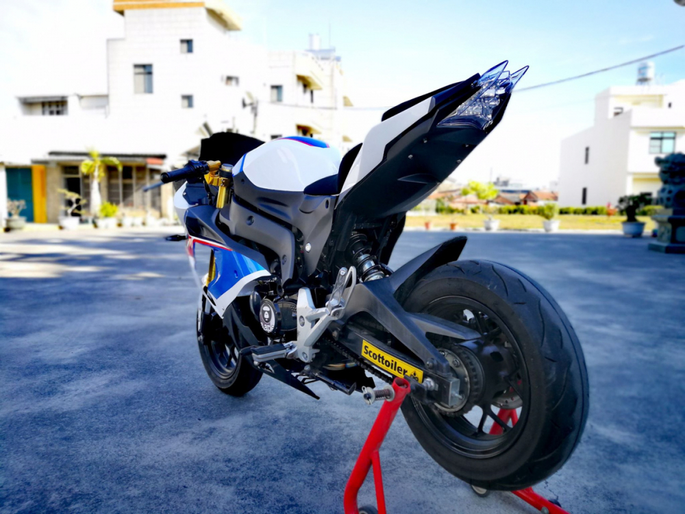 BMW S1000RR Ban do tu chiec Honda MSX 125cc kha doc dao - 11