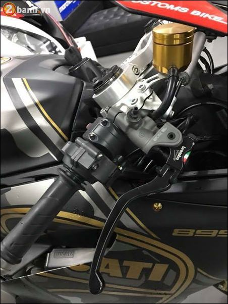 Ducati 899 Panigale quy do doi lot Camo Limited dep ngat nguong - 4