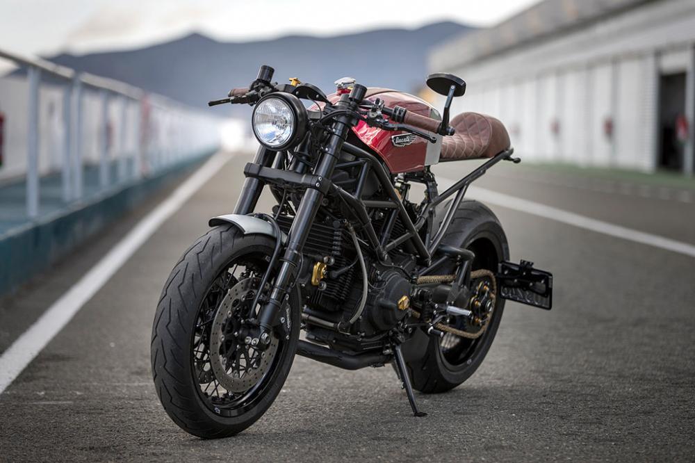 Ducati Monster dep hut hon trong ban do Cafe Racer