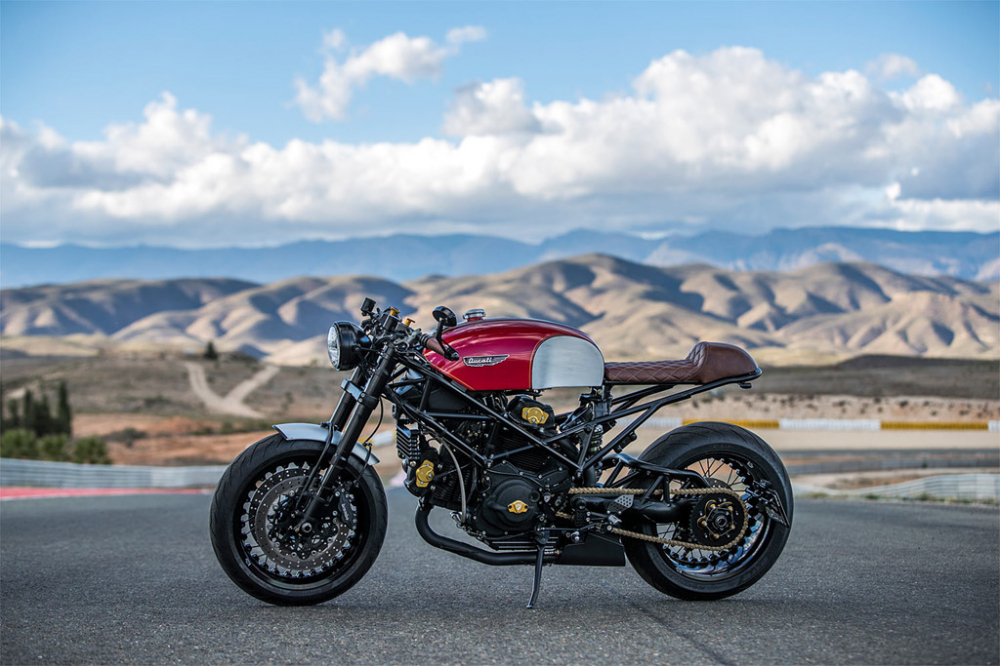Ducati Monster dep hut hon trong ban do Cafe Racer - 3