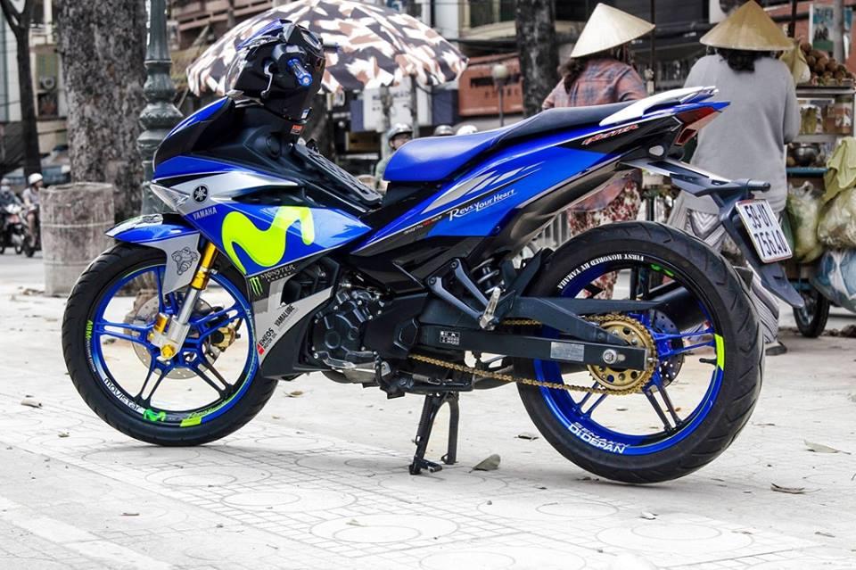 Exciter 150 do dep voi bo canh Movistar dac trung cua doi dua Yamaha Factory Racing