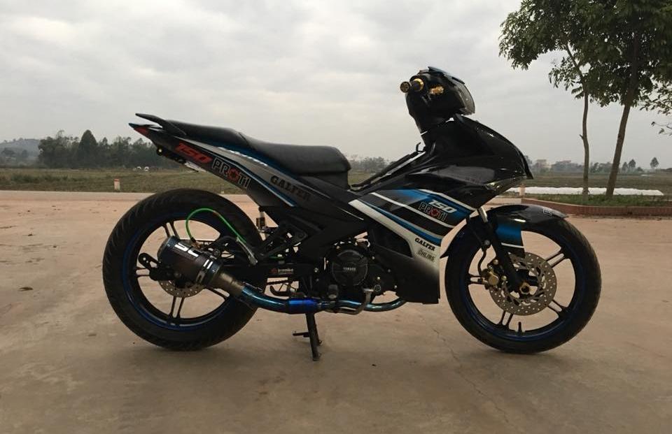 Exciter 150 do khoe mong tra hinh o cay xang cua biker Bac Ninh