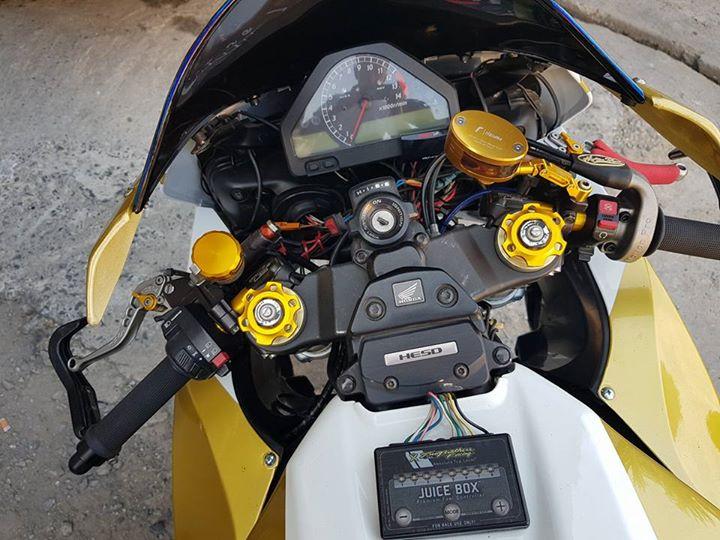 Honda CBR1000RR suc hut kho cuong tu option tinh te - 4