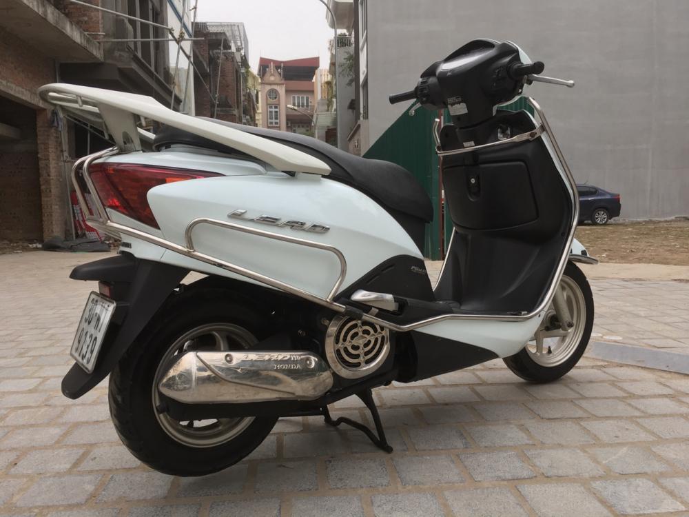 Honda LEAD 110 Fi mau trang dang ky cuoi 2011
