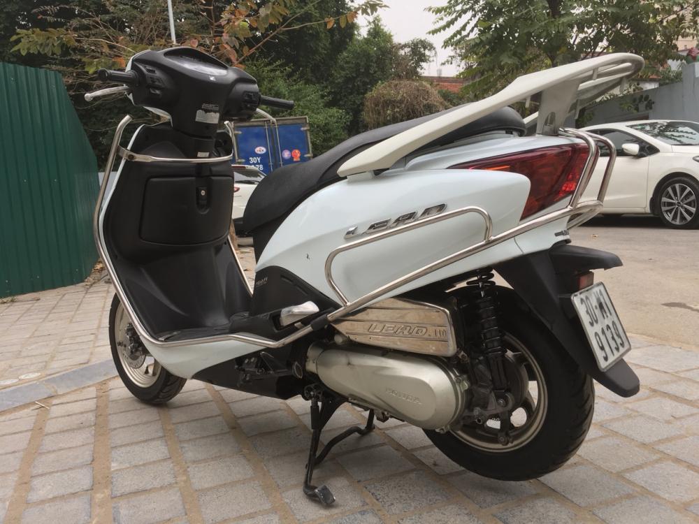 Honda LEAD 110 Fi mau trang dang ky cuoi 2011 - 3
